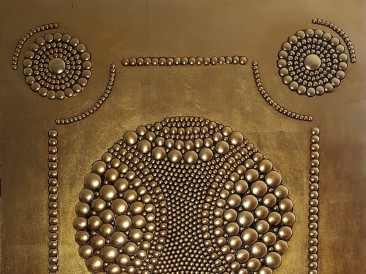 Warrior Crest (metal, rivets, gold plate, oil on masonite, 80x100cm)